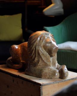 Lion – Verona Marble